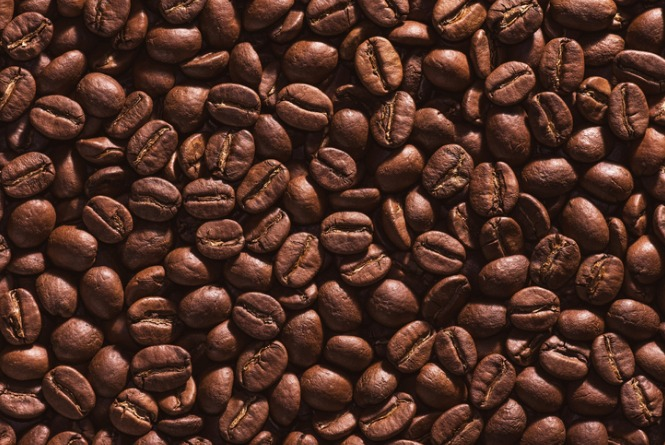 roasted-coffee-beans-picture-id842362894